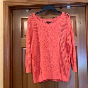 Beautiful 3/4 sleeve sweater w lace accent.